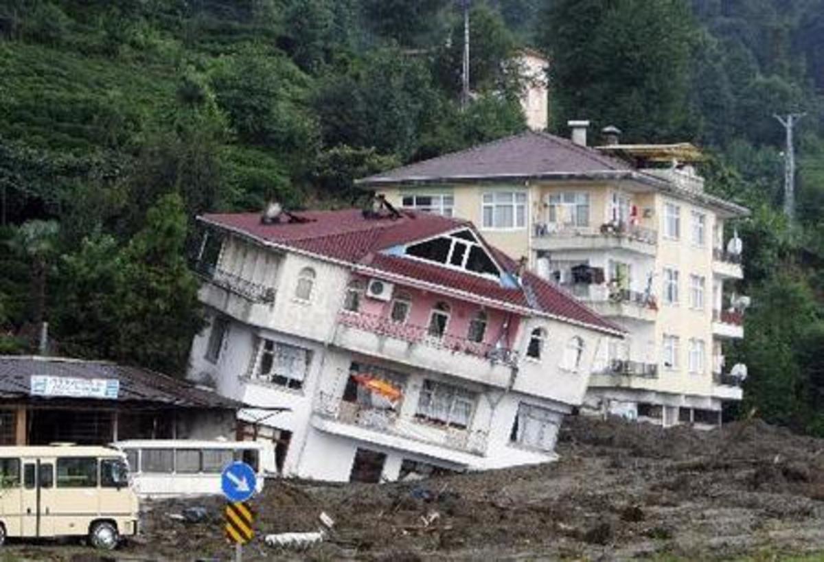 Φονικές κατολισθήσεις στην Κόστα Ρίκα | Newsit.gr