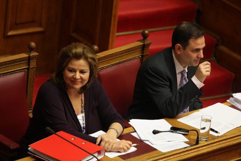 Υπερψηφίστηκε το νομοσχέδιο της Λ. Κατσέλη | Newsit.gr