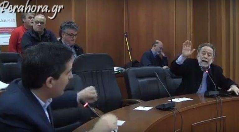 Άγριος καβγάς βουλευτών στο δημοτικό συμβούλιο Λουτρακίου [vid] | Newsit.gr