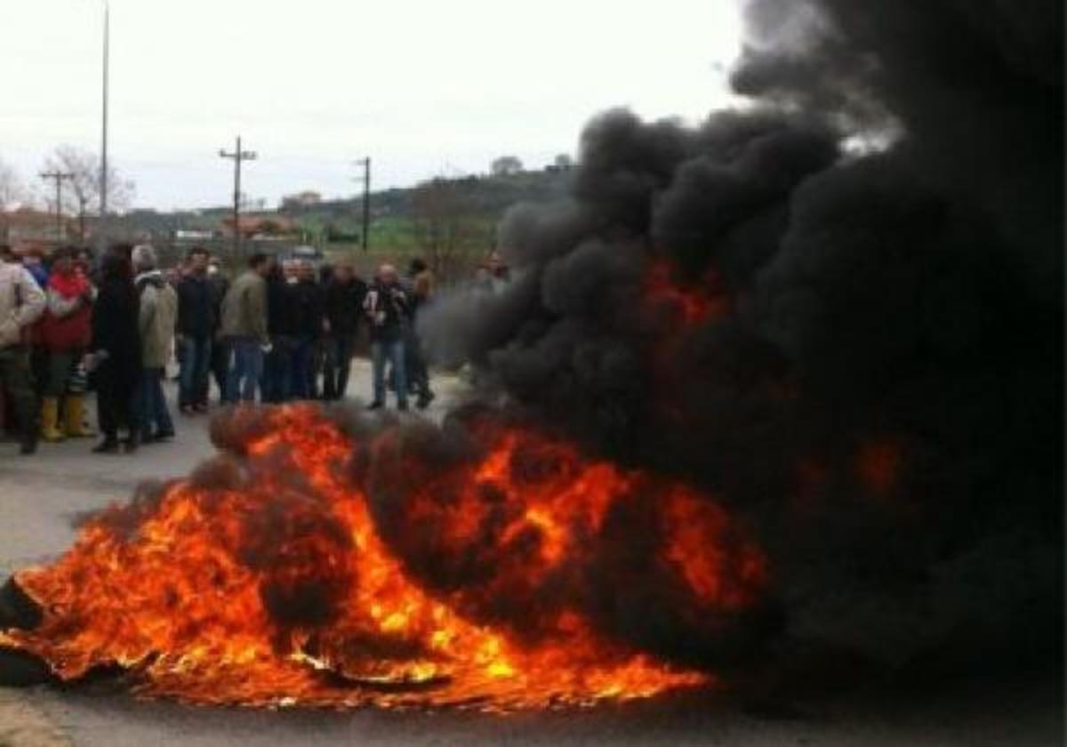 «Βράζει» η Ιερισσός Χαλκιδικής μετά τα δακρυγόνα! Ο Εισαγγελέας τους «μαζεύει» όλους για σύσκεψη | Newsit.gr