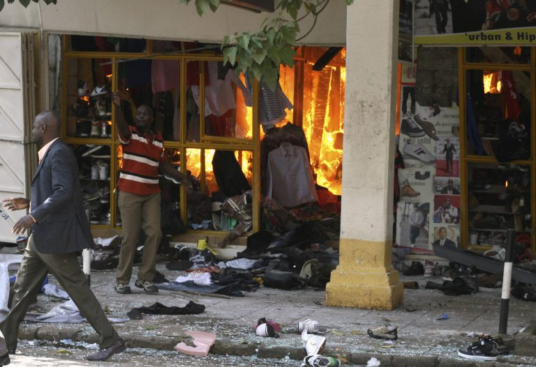 Έκρηξη χειροβομβίδας σε μπαρ στην Μπομπάσα | Newsit.gr