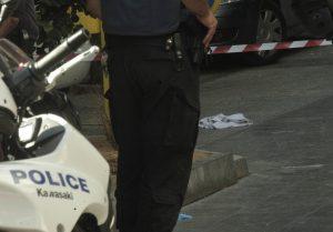 Θρίλερ στο Κερατσίνι: Λήστεψαν, ταμπουρώθηκαν και πυροβολούσαν αστυνομικούς!