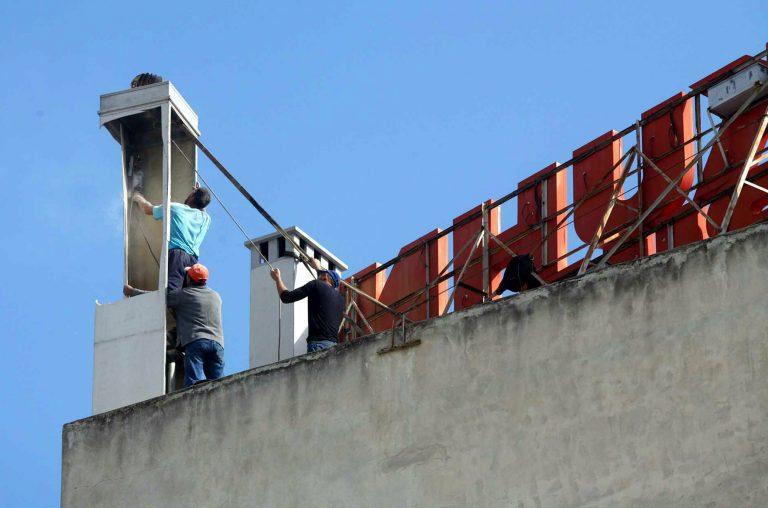 Αποξήλωση αυθαίρετων κεραιών κινητής τηλεφωνίας στο δήμο Αθηναίων | Newsit.gr