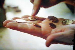 «Πρωταθλητές» στα… κέρματα οι Έλληνες!