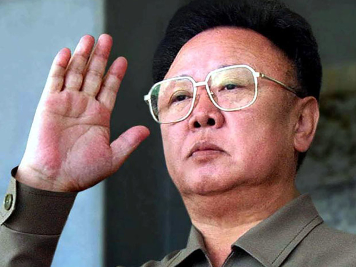 Πέθανε ο ηγέτης της Β. Κορέας Κιμ Γιογκ-Ιλ | Newsit.gr