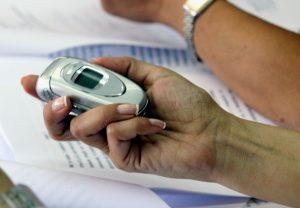Φτηναίνουν κλήσεις και SMS από 15 Μαΐου