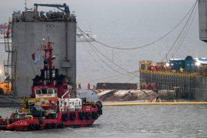 Νότια Κορέα: Στην επιφάνεια το Sewol τρία χρόνια μετά το ναυάγιο με τα 304 θύματα