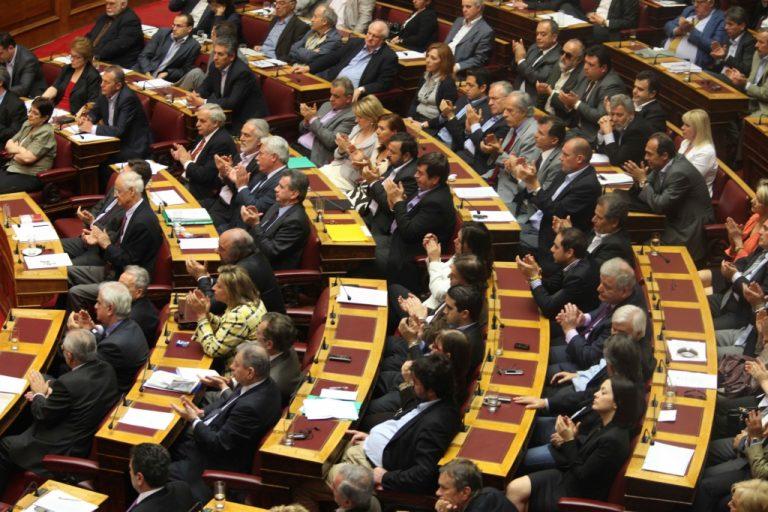 Κοινοβουλευτικό πραξικόπημα στην ψήφιση των μέτρων καταγγέλουν ΚΚΕ, ΣΥΡΙΖΑ και ΛΑΟΣ   Newsit.gr
