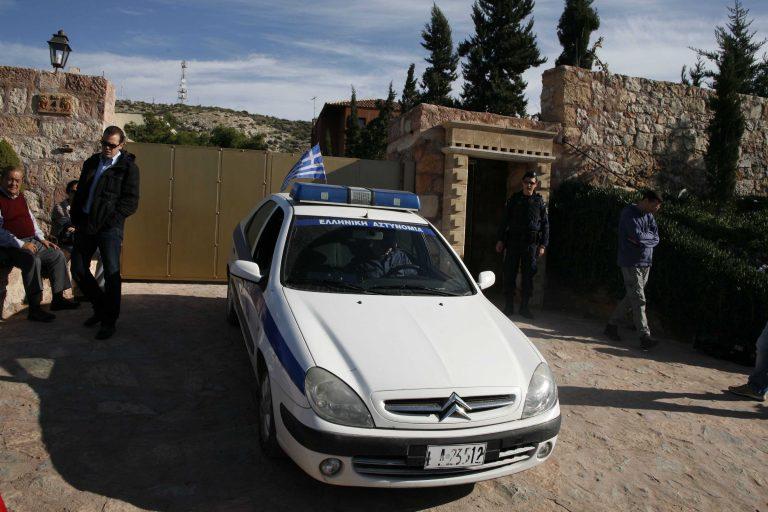 Έστησαν ενέδρα σε 64χρονη και της αφαίρεσαν πάνω από 80 χιλιάδες ευρώ | Newsit.gr