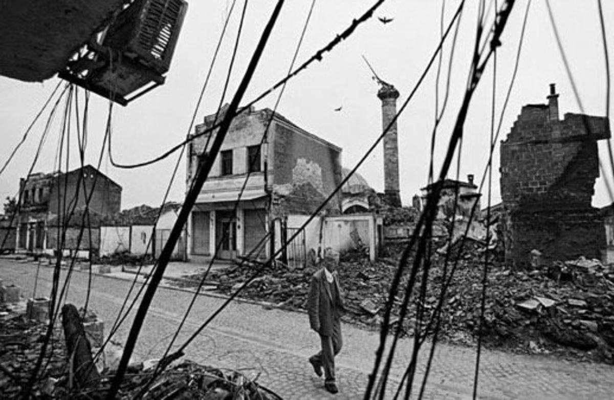 Τέσσερις Σέρβοι καταδικάστηκαν για τη δολοφονία Αλβανών στο Κόσοβο το '99 | Newsit.gr