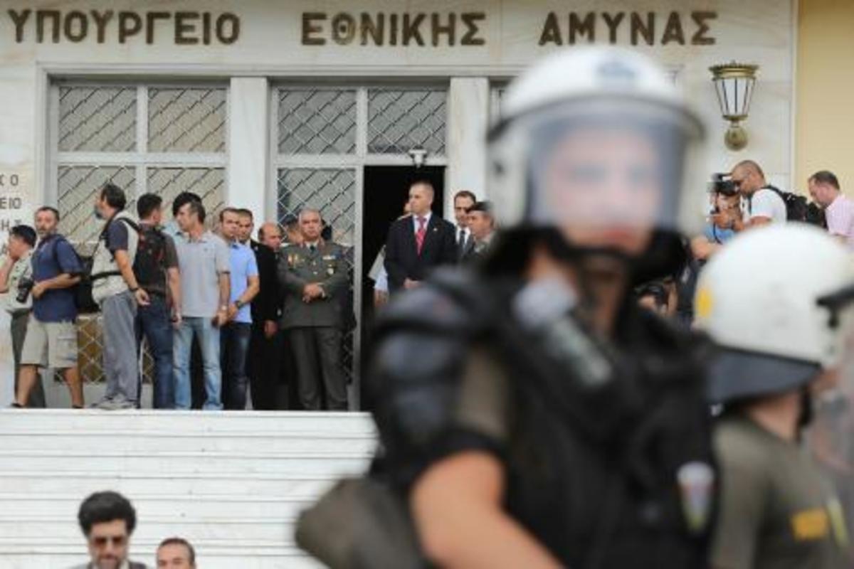 Στρατιωτικοί-κυβέρνηση: σε πορεία μετωπικής σύγκρουσης!   Newsit.gr