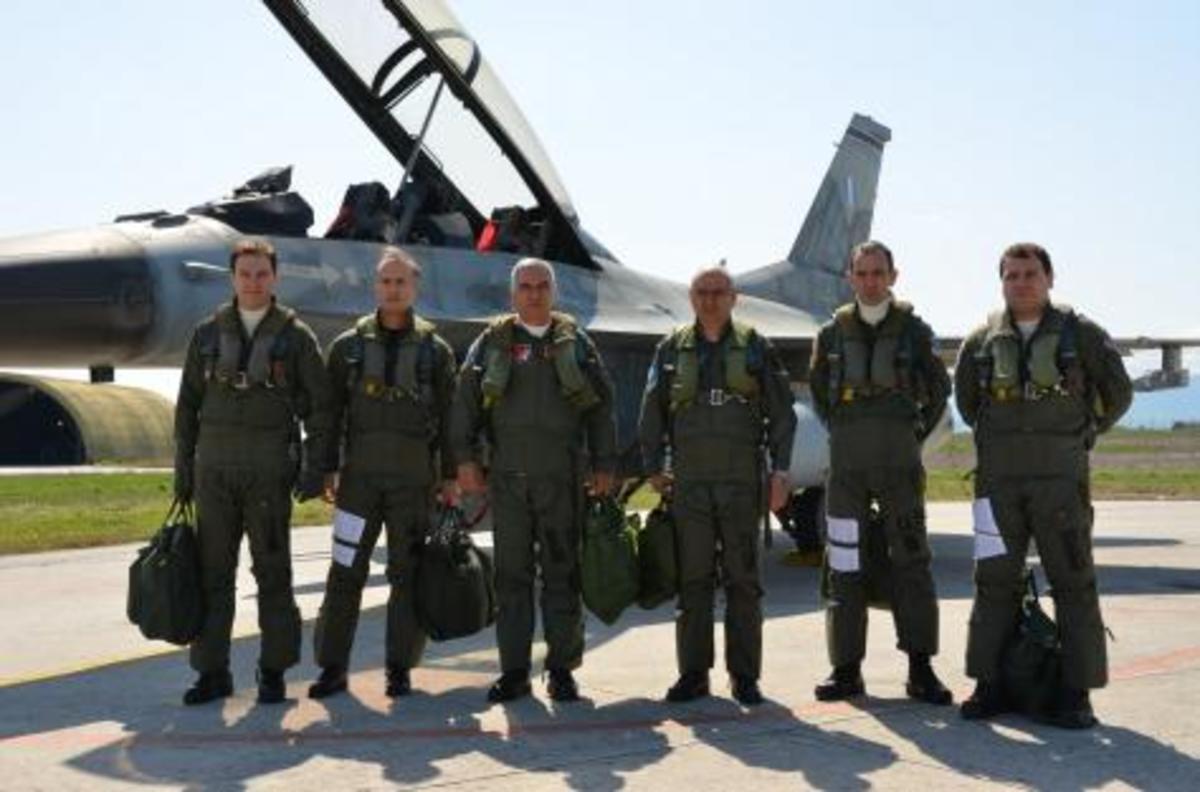 Πτήση Κωσταράκου με Mirage 2000 στο Καστελόριζο | Newsit.gr