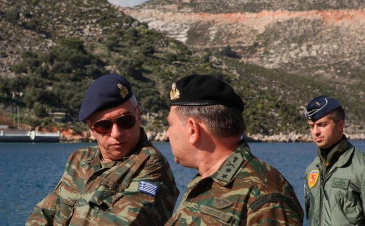 Στη Ζουράφα, ο Α/ΓΕΕΘΑ Μ.Κωσταράκος, με πολεμικό πλοίο – Πως και γιατί βρέθηκε στο αν.Αιγαίο | Newsit.gr