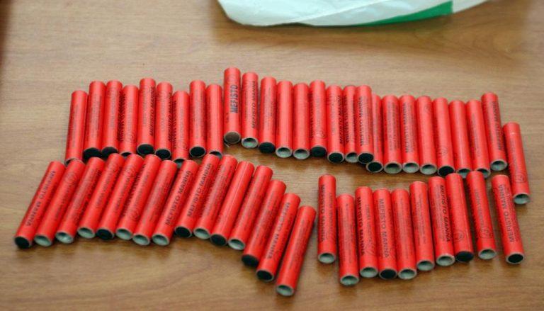 Φθιώτιδα: Χειροπέδες για περισσότερες από 17 χιλιάδες κροτίδες | Newsit.gr