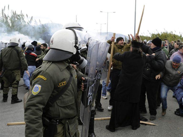 Έπεσε ξύλο στη μνήμη του..Αγίου Φανουρίου | Newsit.gr