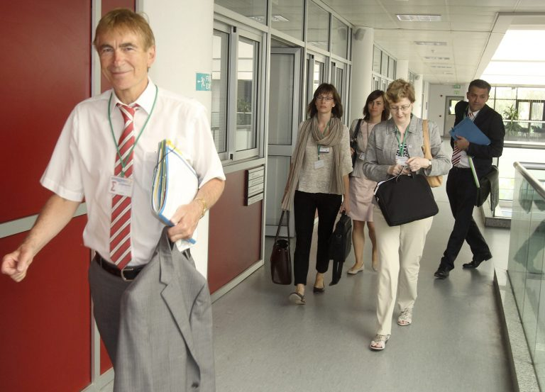 Οι πρώτες επαφές της τρόικας στην Κύπρο «δεν ήταν και οι πιο εύκολες» | Newsit.gr