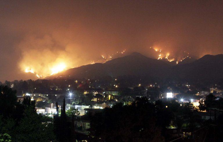 Εκκενώνουν κτίρια στο Λ.Α. υπό το φόβο κατολισθήσεων | Newsit.gr