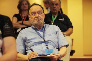Λαφαζάνης προς βουλευτές ΣΥΡΙΖΑ: Μην ψηφίσετε το μνημόνιο