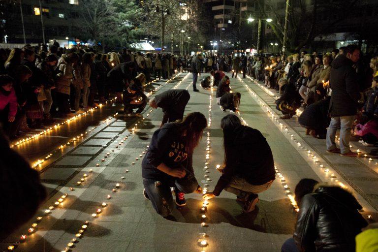 Η Ελλάδα πενθεί τους φοιτητές της Λάρισας – Συγκλονιστικές εικόνες | Newsit.gr