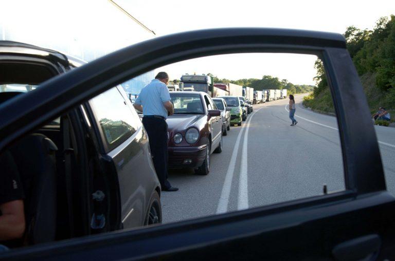 Θεσσαλονίκη: »Φίλε, σταμάτα έχει σκάσει το λάστιχό σου»! | Newsit.gr