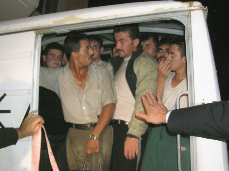 Θράκη: Χειροπέδες σε σωματέμπορο και λαθρομετανάστες   Newsit.gr