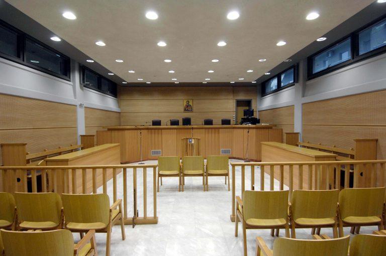 «Παραλύουν» τα δικαστήρια όλης της χώρας | Newsit.gr