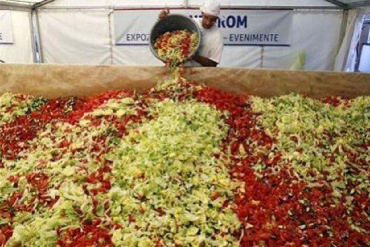 Λαχανοσαλάτα για… Γκίνες στο Ηράκλειο | Newsit.gr