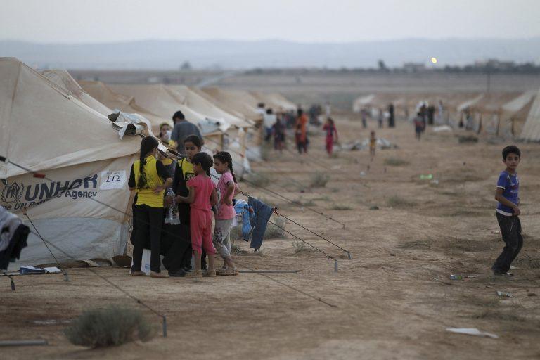 Η ΕΕ καλεί τη Βηρυτό να μην απελάσει Σύρους πρόσφυγες στη Συρία   Newsit.gr