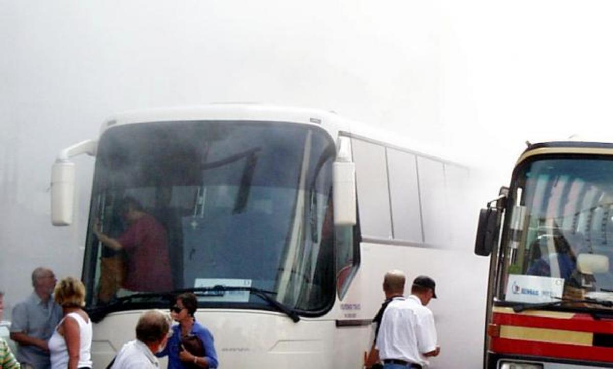 Φωτιά σε λεωφορείο στην Εθνική – Τρόμος για 70 επιβάτες | Newsit.gr