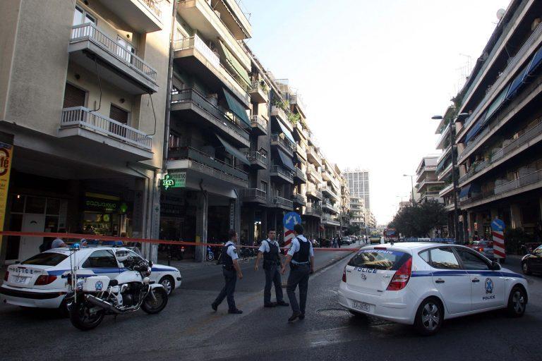Πήγε να ληστέψει την τράπεζα αλλά… δεν έσπαγε το τζάμι! | Newsit.gr