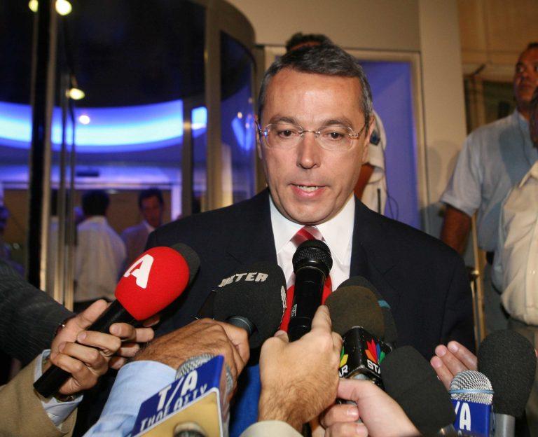 Επίσημα ο Αιμίλιος Λιάτσος στην ΕΡΤ | Newsit.gr