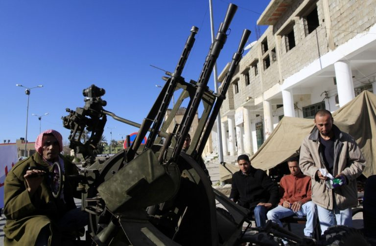 Η… μάχη της Τρίπολης – Ο Καντάφι προσπαθεί να κρατήσει την πρωτεύουσα – Ετοιμάζουν επίθεση οι Δυτικοί; | Newsit.gr