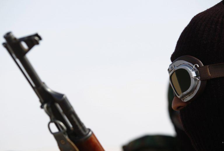 Λιβύη: Σκοτώθηκαν άμαχοι κατα τη διάρκεια βομβαρδισμών απο τις δυνάμεις του Καντάφι | Newsit.gr