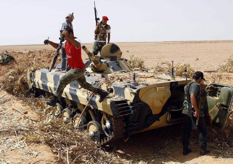 «Πέφτουν» τα τελευταία προπύργια του Καντάφι   Newsit.gr