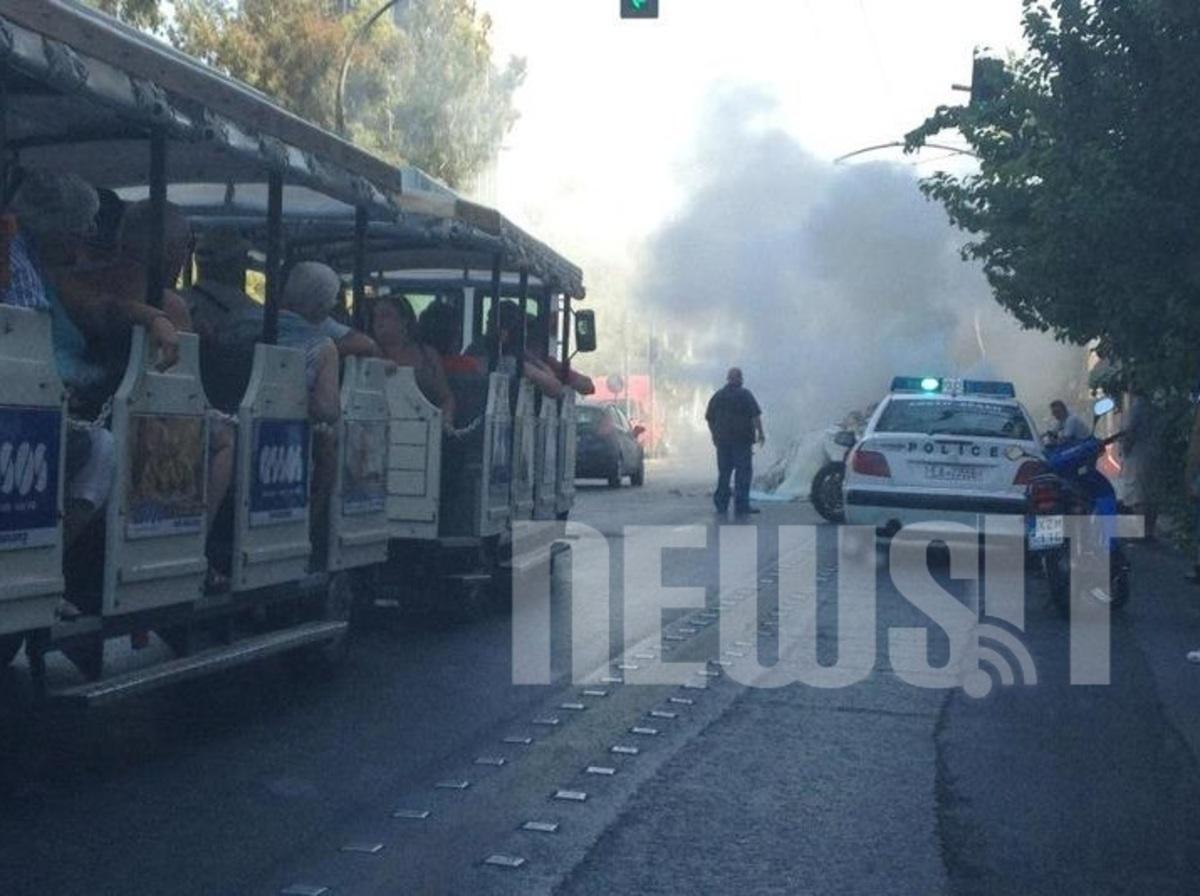 Με… μπουκάλια προσπάθησαν να σβήσουν τη φωτιά | Newsit.gr