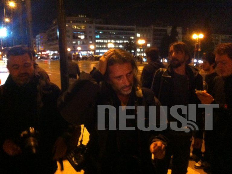 Χειρουργήθηκε επιτυχώς ο φωτορεπόρτερ που τραυματίστηκε στα επεισόδια με τα ΜΑΤ | Newsit.gr