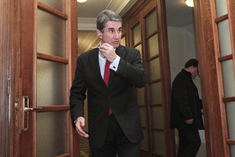Λοβέρδος: Ζήτησε την οριστική παύση του γιατρού που κατηγορείται για προμήθεια υλικών | Newsit.gr
