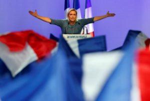 Μαρίν κλέβεις! Η Λε Πεν εκφώνησε ολόκληρο απόσπασμα από ομιλία του… Φιγιόν!