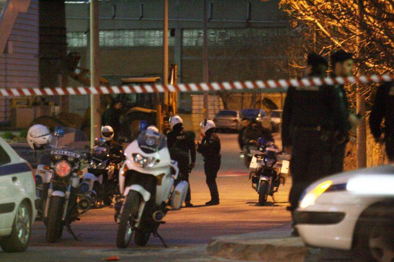 Αιματηρή συμπλοκή σε καφενείο στο Αιγάλεω | Newsit.gr