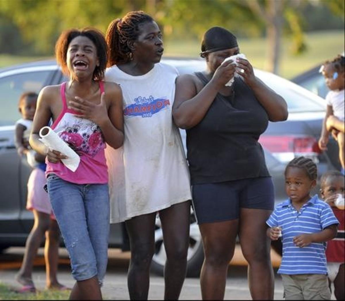Τραγωδία: Έξι παιδία πνίγηκαν σε ποτάμι μπροστά στα μάτια των γονιών τους | Newsit.gr