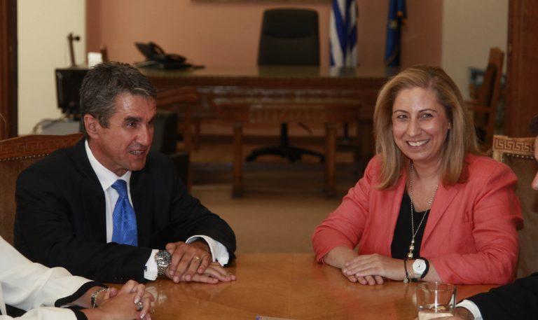 Νέες κόντρες: «Αρπάχτηκαν» Μαριλίζα – Λοβέρδος στο υπουργικό!   Newsit.gr