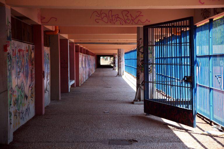 Συνελήφθη 20χρονος με ναρκωτικά και μαχαίρια σε Λύκειο των Ιωαννίνων | Newsit.gr