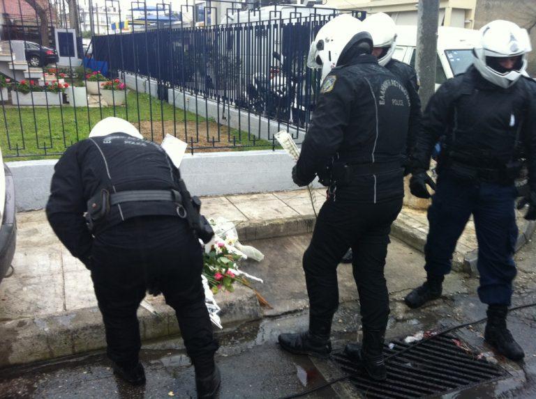 Μια καταδίωξη που δεν έγινε ποτέ! – Πάνω από 40 αστυνομικοί «πάγωσαν» στο θέαμα των αιματοβαμένων συναδέλφων τους   Newsit.gr