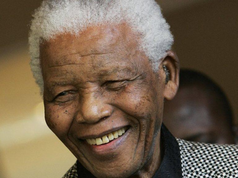Σε χειρουργική επέμβαση υποβλήθηκε ο Μαντέλα | Newsit.gr