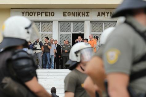 Άρχισε η εκπαίδευση των «χακί ΜΑΤ» εντός του ΥΕΘΑ! Ποιοι τους εκπαιδεύουν | Newsit.gr