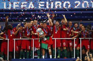 Δάκρυα… η Γαλλία! Ο Φερνάντο Σάντος έκανε την Πορτογαλία πρωταθλήτρια Ευρώπης