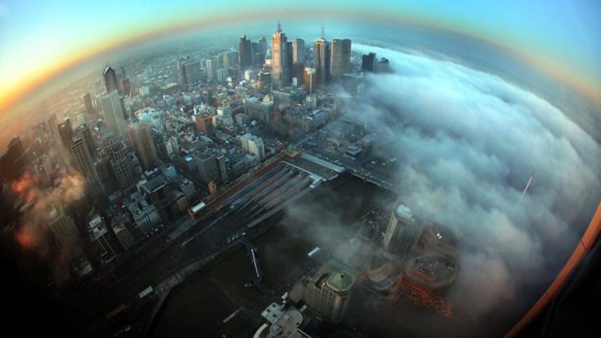 Η Μελβούρνη χάθηκε στην ομίχλη! – Εντυπωσιακές φωτογραφίες | Newsit.gr