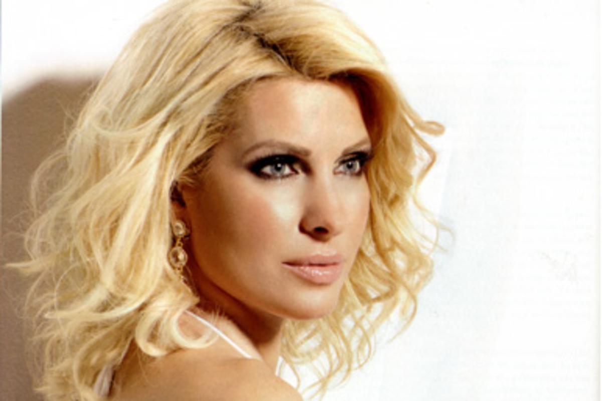 Η Μενεγάκη μιλάει για πρώτη φορά μετά το χωρισμό!   Newsit.gr