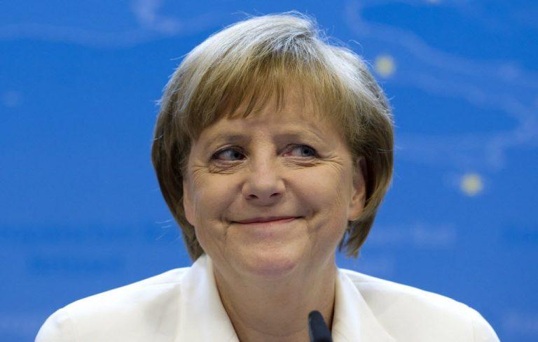 Spiegel: Η Μέρκελ θέλει πάση θυσία να κρατήσει την Ελλάδα στην ευρωζώνη | Newsit.gr
