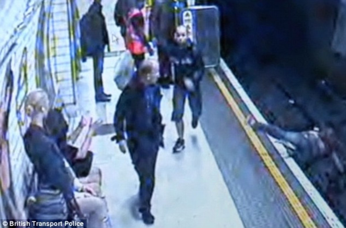 Άγνωστος πέταξε κοπέλα στις γραμμές του μετρό – ΒΙΝΤΕΟ | Newsit.gr